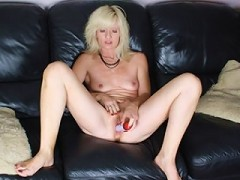 i would love for you to see my juicy mature cunt
